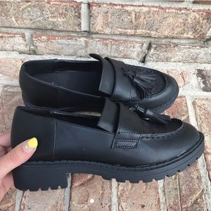 Black chunky loafer shoes
